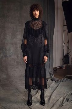 Fashion 2020, Runway Fashion, Womens Fashion, Fashion Trends, Vogue Paris, Vogue Mexico, Michael Kors Collection, Black White Fashion, Fashion Show Collection
