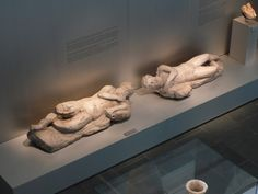 Reproducción de Los Silenos (original Museo Arqueológico de Cadiz) para el Museo de Baelo Claudia. Scan 3D, Talla CNC - Acabado: micronizados minerales / composite resina. www.troppovero.com