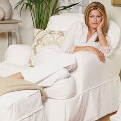 kathy ireland-you'd never guess her age Ireland Pictures, Kathy Ireland, Types Of Furniture, Beautiful Inside And Out, Classic Beauty, Shabby Chic Furniture, Role Models, Business Women, Supermodels