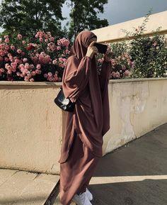 Niqab Fashion, Modest Fashion Hijab, Modern Hijab Fashion, Street Hijab Fashion, Hijab Chic, Muslim Fashion, Cute Fashion, Girl Fashion, Arab Girls Hijab