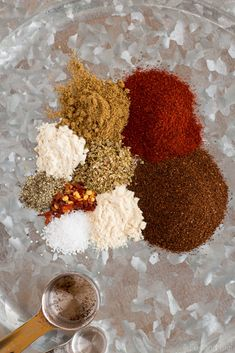 Making your own DIY Taco Seasoning couldn't be easier! Once you make your own, you will never go back to store-bought again! I have been a big fan of bulk spices for a long time. Keto Taco Seasoning, Homemade Taco Seasoning, Spice Blends, Spice Mixes, Healthy Dinner Recipes, Mexican Food Recipes, Mexican Meals, Jimboy's Tacos, Thai Green Chicken Curry
