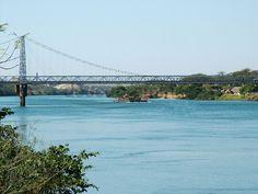 A ponte pênsil Afonso Penna, construída em 1912, com 240 metros, sobre o Rio Parnaíba, liga as cidades de Itumbiara, em Goiás, e Araporã, em Minas Gerais. Esta sendo analisada pelo IPHAN, e poderá receber o título de Patrimônio Cultural Brasileiro.