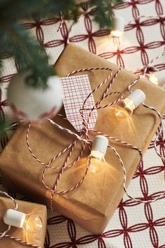 givande geschenkpapier naturfarben - The world's most private search engine Inexpensive Christmas Gifts, Christmas Gift Wrapping, Christmas Gifts For Kids, Christmas Activities, Christmas Time, Holiday Gifts, Recycling, Presents For Kids, November 2019