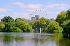 London, London Eye. Alumnos de Turismo de 9no. cuatrimestre de viaje por Europa. ¡Felicidades chicos! +info.: Tel. (833) 230 3830 Une Tampico, México #UneTampico