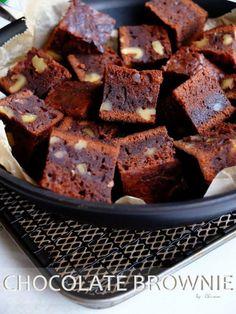 オーブンもトースターもなくて大丈夫!お菓子作りはフライパンさえあればできるんです。洋菓子から和菓子まで、フライパンで作れる簡単お菓子レシピを集めました。