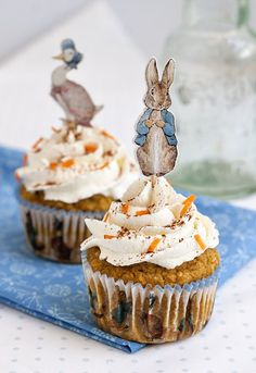 Peter Rabbit Easter Carrot Cupcakes with Cream Cheese Frosting. Gluten Free recipe for Easter or birthdays. Beatrix Potter cupcake toppers and liners. Might make this for my moms birthday! Peter Rabbit Party, Peter Rabbit Cake, Peter Rabbit Birthday, Peter Rabbit Nursery, Bunny Birthday, Baby Shower Cakes, Baby Shower Themes, Baby Shower Cake Toppers, Shower Ideas