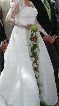 Ramo de novia Vanesa  http://www.floristeriabast.com/