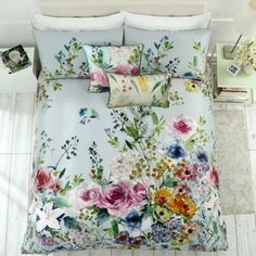 Adorn your bedding oasis with the vibrancy of the Elaria Duvet Cover Set. Bold and eye-catching, this sophisticated set features a watercolor floral design in an array of bright hues to lend a luxurious look to your space. Rose Duvet Cover, King Duvet Cover Sets, King Comforter Sets, Queen Duvet, Duvet Sets, Duvet Covers, California King Duvet Cover, King Pillows, My Secret Garden