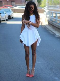 White Dress and Gold Accessories, try it! | Fashion Inspiration Blog