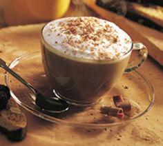 Comece seu domingo com um delicioso Cappuccino Babilônia.  Espresso, chocolate cremoso, leite vaporizado e decorado com chantilly