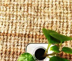 Plop plop, gota a gota llega al·azeite... Más que las flores nos gustan los frutos, en al·azeite siempre encontrarás un toque verde...