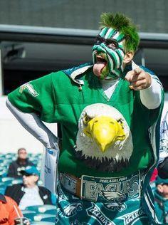 Eagles Crazy Fans - 25+ Funny Soccer Fans doing crazy stuff got viral