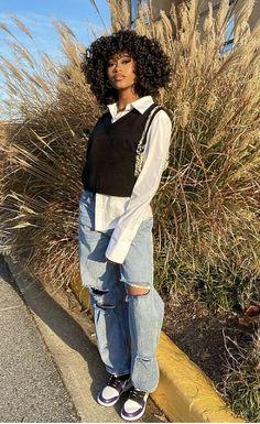Black Girl Fashion, Tomboy Fashion, Teen Fashion Outfits, Retro Outfits, Streetwear Fashion, Girl Outfits, Jordan Outfits For Girls, Girl Streetwear, Baddie Outfits Casual