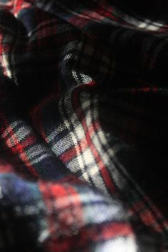 I cannot express how much I love plaid flannel.