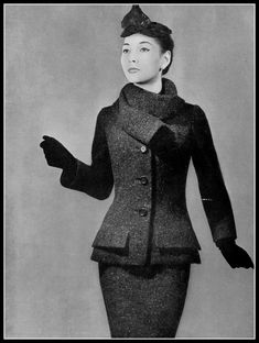 Renée Breton in brown tweed suit, jacket is long with low pockets and rolled collar, by Christian Dior, photo by Georges Saad, 1954 Vintage Fashion 1950s, Vintage Dior, Christian Dior Vintage, Vintage Glamour, Vintage Dresses, Vintage Outfits, Vintage Style, Vintage Fall, Vintage Ideas