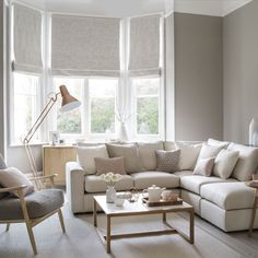 Pale and pretty living room with copper floor lamp Living Room Windows, Living Room Paint, Living Room Flooring, Living Room Sofa, Home Living Room, Living Room Designs, Living Room Decor, Living Room With Corner Sofa, Living Room With Bay Window