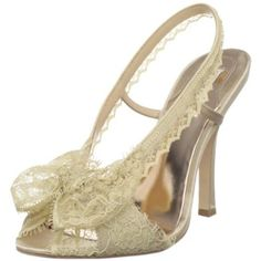 Badgley Mischka Women's Bryant Pump