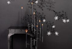 http://decorati0ns.net/decorate/wp-content/uploads/2011/06/black-and-white-furniture-2.jpg