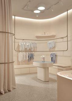 Fashion Retail Interior, Retail Interior Design, Retail Store Design, Baby Store Display, Clothing Store Design, Shops, Kids Store, Business Design, Deco