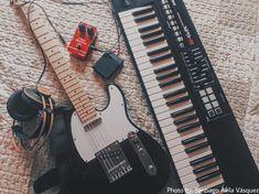 Guitar Girl, Music Guitar, Ukulele, Music Aesthetic, Aesthetic Grunge, Piano, Music Photo, Music Stuff, Aesthetic Pictures