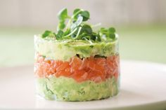 Salmon and Avocado Towers - Quick and Easy Recipes, Organic Food Recipes, New Zealand Cooking Recipes - Annabel Langbein (food presentation easy) Avocado Recipes, Salmon Recipes, Fish Recipes, Appetizer Recipes, Appetizers, Veggie Recipes, Avocado Dishes, Healthy Recipes, Veggie Food