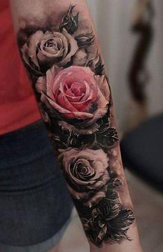 schöne tattoos, blumen tattoo am unterarm, rosen