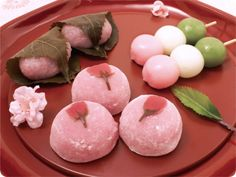 All you need to know about Sakura the most important symbol of Japan Japanese Cake, Japanese Snacks, Japanese Sweets, Asian Snacks, Asian Desserts, Gourmet Desserts, Health Desserts, Plated Desserts, Kawaii Dessert