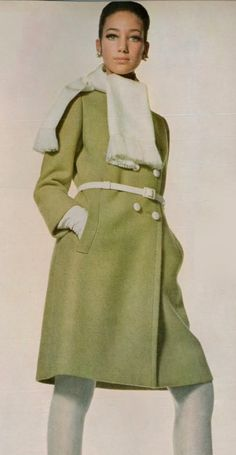 Marisa Berenson.  Photo by Irving Penn.  Vogue, 1967.