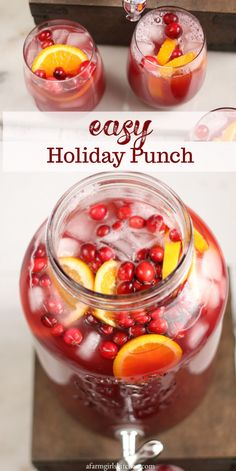 christmas drinks So easy to make this delicious Holiday Punch with cranberry juice, pineapple juice, frozen lemonade, and lemon lime soda. Add a scoop of orange sherbet for even more flavor! Christmas Drinks Alcohol, Christmas Cocktails, Holiday Drinks, Christmas Holiday, Summer Cocktails, Christmas Punch, Cranberry Juice Detox, Cranberry Juice Benefits, Cranberry Lemonade