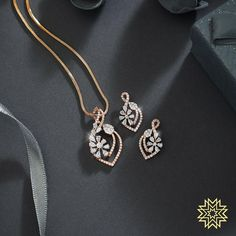 Jewelry OFF! Irresistable Gold Dimond Pendant Sets For Minimal Jewellery Lovers! Gold Earrings Designs, Gold Jewellery Design, Diamond Jewellery, Diamond Necklace Set, Diamond Pendant Set, Gold Jewelry Simple, Bridal Jewelry, Jewelery, Jewelry Necklaces
