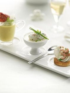 Amuse Bouche in drei Akten Party Finger Foods, Snacks Für Party, Catering, Deli Food, Good Food, Yummy Food, Go For It, Xmas Food, Appetisers