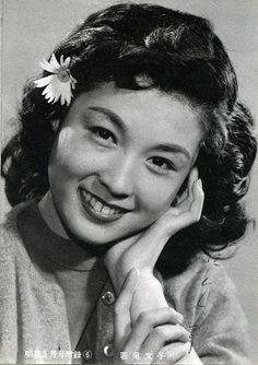 Ayako Wakao 若尾文子 (1933 - )