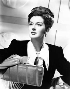 Rosalind Russell Sherry Jackson, Yvonne Craig, Anna Karina, Classic Hollywood, Old Hollywood, Luise Rainer, Auntie Mame, Lilli Palmer, Marie Prevost