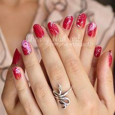 nail art fleur one stroke mariage Nail Art Fleur, Cherry Nail Art, One Stroke, Heart Ring, Nail Polish, Instagram Posts, Floral, Beautiful, Jewelry