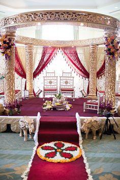 Indian Wedding: Smriti & JB, indian wedding decor, indian mandap #shaadibazaar #love #wedding  i want this mandap!                                                                                                                                                                                 More