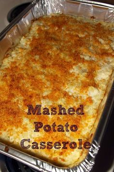 Duck Dynasty Mashed Potato Casserole This casserole recipe by Ms Kay from Duck Dynasty is a guaranteed crowd pleaser and a delicious holiday side dish! Who doesn't like the ultimate comfort food- creamy, warm mashed potatoes? Potato Sides, Potato Side Dishes, Russet Potato Recipes, Picnic Side Dishes, Mashed Potato Casserole, Casserole Dishes, Mashed Potato Bake Recipe, Twice Baked Mashed Potatoes, Cream Cheese Mashed Potatoes