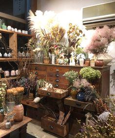 Flower Shop Decor, Flower Shop Design, Cafe Display, Apothecary Decor, Tiny House Exterior, Flower Bar, Witch Decor, Garden Shop, Aesthetic Room Decor