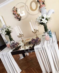 Asking for an engagement table Coffee Desk, Sewing Desk, Engagement Decorations, Holiday Dinner, Dinner Table, Wedding Ceremony, Table Wedding, Wedding Cakes, Own Home