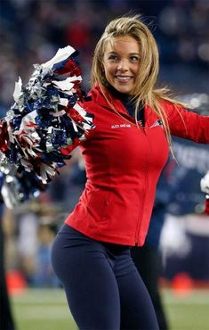 Top 15 Hottest NFL Cheerleaders of 2016 New England Patriots Cheerleaders, Hottest Nfl Cheerleaders, Football Cheerleaders, Football Girls, College Cheerleading, Patriots Fans, Ice Girls, Disco Pants, Sport Girl