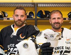 "Check out new work on my @Behance portfolio: ""Hockey Club Lugano - Subscription Campaign"" http://on.be.net/1P8T8fe"
