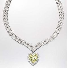 Wallis Simpson diamond necklace valued at $2,000,000 in Lauder auction