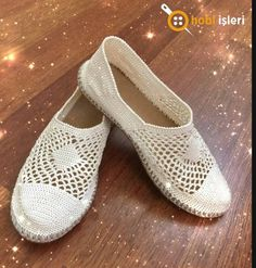 Espadrilles, Slippers, Flats, How To Make, Shoes, Fashion, Crochet Shoes, Loafers & Slip Ons, Painted Canvas Shoes