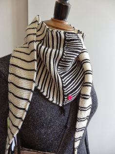 designstrik.dk: click through to blog and see the rest of it, lots of different pattern ideas. In Danish but could probably be copied by experienced knitter without pattern. No pattern seemed to be available.