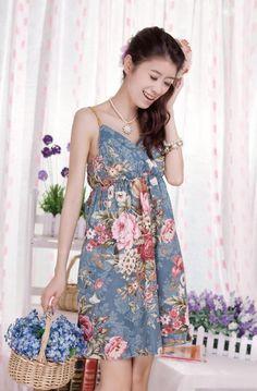 Retro V-Neck Floral Print Spaghetti Strap Women's Dress $10.36 fashiondresswholesale.com