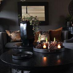 m o r n i n g b l i s s 🖤 ________________________________________________ lerkegran i urna - sniker seg inn litt «jul Romantic Home Decor, Quirky Home Decor, Hippie Home Decor, Natural Home Decor, Home Decor Kitchen, Unique Home Decor, Cheap Home Decor, Home Decor Accessories, Decorative Accessories