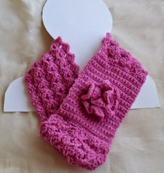 #Crochet cowl free pattern from @craftybegonia