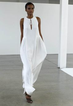 Loving the comfortable whites: Emilio Pucci -- Classic White Linen Dresses, White Outfits, Edgy Outfits, Emilio Pucci, Mode Inspiration, White Fashion, White Dress, White Maxi, White White