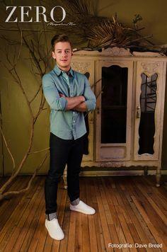 Camisa y pantalón: American Apparel Calzado: Zara Styling: Ro García Grooming: Julio César León Foto: David Paniagua