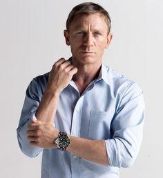 Watchuseek Watch Blog: Bond on a budget: Christopher Ward C60 Automatic Trident Pro