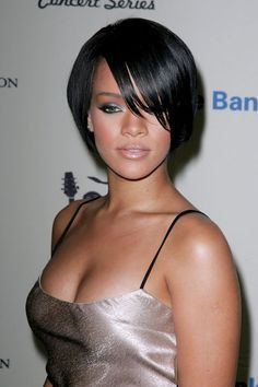 Rihanna in October 2007. See the singer's complete beauty evolution, from 2006 to 2015 (girl has tried EVERYTHING in nearly 10 years).